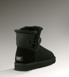 UGG Bailey Button Boots UGG Classic Boots UGG Fox Fur Boots UGG Boots 39.00 USD