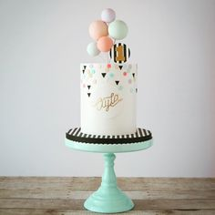 luftballons-konfetti-tupfen-und-moderne-schwarze-dreiecke-rasha-rmeily-rasha-rm/ - The world's most private search engine Drip Cakes, Bolo Tumblr, Baby Birthday Cakes, Modern Birthday Cakes, 13th Birthday, Geometric Cake, Bolo Cake, Balloon Cake, Confetti Cake