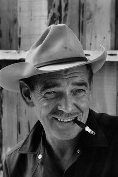 """Clark Gable in """"The Misfits"""" Director: John Huston. Old Hollywood Stars, Hollywood Actor, Golden Age Of Hollywood, Classic Hollywood, Popular Actresses, Actors & Actresses, John Huston, Old Movie Stars, Carole Lombard"""