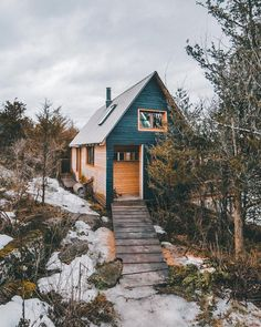 23 Secret Places In Ontario To Bring Your Girlfriend This Winter - Narcity Winter Cabin, Cozy Cabin, Cozy Cottage, Ravens Home, Ontario Travel, Forest House, Farm House, Tiny House Movement, Secret Places