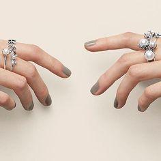 Which Pandora rings are you wishing for this holiday season?!? #shopmetropolis #pandorarings #artofyou