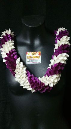 This beautiful twisted strand of carefully hand woven orchid petals create this stunning Spiral Lei. This lei is one of our absolute favorites, simply because its beautiful! Please indicate what color