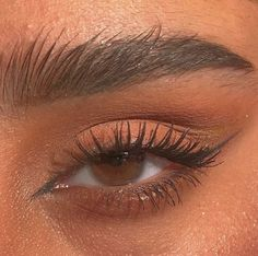 37 Tipps für den perfekten Tightline Eyeliner – Dekoration - Beauty is Art Cat Eye Makeup, Skin Makeup, Makeup Art, Beauty Makeup, Eyeshadow Makeup, Makeup Style, Eyeshadow Palette, Cat Eye Eyeliner, Simple Eyeshadow
