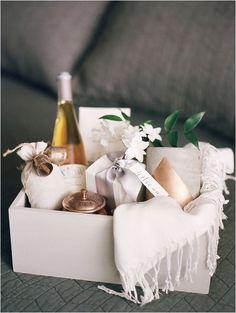 Nice 100+ Bridesmaid And Groomsmen Gift Actually They Want https://bridalore.com/2017/09/10/100-bridesmaid-and-groomsmen-gift-actually-they-want/