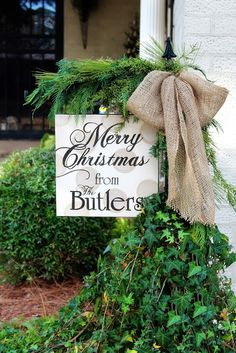 Outdoor Merry Christmas Sign With Burlap And Greenery. I *think* The Merry  Christmas