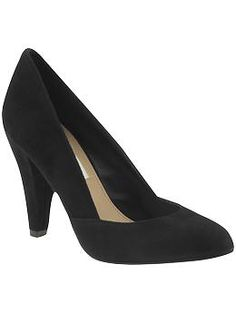 Steve Madden Poized Pumps - these are the perfect shoe.  Someone find me these in a 9!! (apparently they run a size small)
