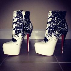 Amazing with this fashion pumps! get it for 2016 Fashion Christian Louboutin Pumps for you! Ankle Boots, Bootie Boots, Shoe Boots, Lanvin, Diane Von Furstenberg, Cute Shoes, Me Too Shoes, Look Fashion, Fashion Shoes