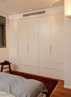 ארון בגדים Wardrobe Design Bedroom, Bedroom Furniture Design, Modern Wardrobe, Bedroom Wardrobe, Home Bedroom, Bedroom Decor, Wardrobe Closet, Bedroom Modern, Bedroom Cupboard Designs