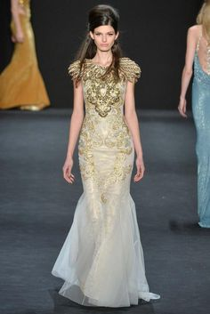 Badgley Mischka Fall 2015 Ready-to-Wear - Collection - moon