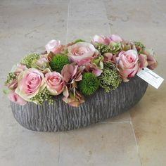 Funeral Floral Arrangements, Christmas Flower Arrangements, Creative Flower Arrangements, Dried Flower Arrangements, Beautiful Flower Arrangements, Floral Centerpieces, Dried Flowers, Beautiful Flowers, Floral Bouquets