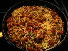 Lean meat with hot & sweet sausage/peppers/mushrooms/ onions and chunky garden sauce. 20 minutes to create. Vietnam, Sausage And Peppers, Stuffed Mushrooms, Stuffed Peppers, Japchae, Spaghetti, Good Food, Dishes, Meat