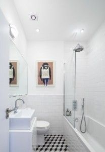 enjoyable bathtubs for small bathrooms. 30 banheiros pequenos decorados para voc  se inspirar Decorating Small BathroomsSmall Bathroom RemodelingRemodeling IdeasBath Duck egg blue Blue walls and Explore
