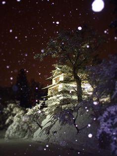 Snow in 弘前城, Aomori, Japan