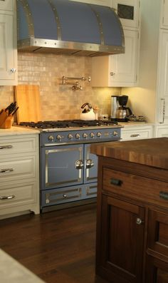 Canterbury Design - kitchens - La Cornue CornuFe Stove in Provence Blue, 2 tone kitchen, two-tone kitchen, la cornue, la cornue stove, la co...