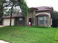 Triple shooting, 2 dead near Leander - http://austin.citylocalbuzz.com/triple-shooting-2-dead-near-leander/