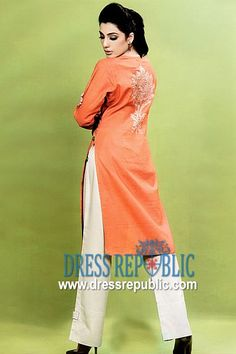 Shop your favorite Casual Kurti Styles from Pakistani designers in Harvin, Houston - TX. Shop Pakistani Casual Dresses in Houston, Texas Pakistani Dress Design, Pakistani Designers, Pakistani Outfits, Casual Wear, Casual Dresses, Formal Dresses, Wedding Dresses, Kurti Styles, Long Tops