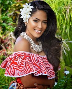 With Miss Heilala 2016 just around the corner, I wanted to appreciate the beauty that is Miss Brittne Fuimaono, reigning Miss Tonga