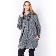 Manteau TAILLISSIME : prix, avis & notation, livraison. Le manteau. On se love dans ce manteau parfait pour l'hiver ! Fermeture asymétrique. Grand col fermé par 2 boutons. Biais contrastant noir le long de la fermeture. En 60% laine, 35% polyester, 5% autres fibres. Longueur 85 cm.