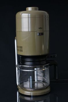 Hey, I found this really awesome Etsy listing at https://www.etsy.com/listing/154055143/braun-kf20-1970s-aromaster-coffee-maker