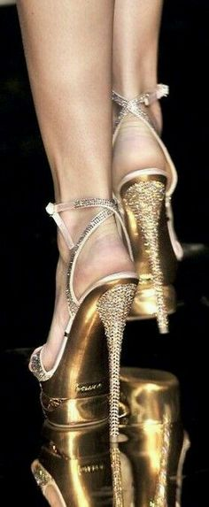 Every women love wearing bling shoes for special occasion, like wedding or party. Because shoes are also an accessory like jewelry to your overall look. Stilettos, Stiletto Heels, Color Splash, Shoe Boots, Shoes Heels, Gold Shoes, Bling Shoes, Sparkly Shoes, Gold Pumps