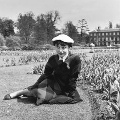 Audrey Hepburn in London, 1950. Photo by Bert Hardy