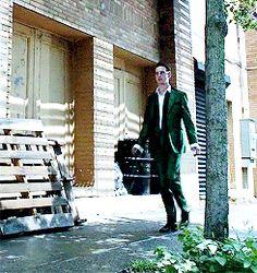 Making my way down town. Riddler Gotham, Fish Mooney, Cory Michael Smith, Gotham Cast, Jerome Valeska, Gotham Girls, Gay Pride, Penguin, Hug