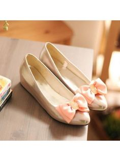 Fitted Pointed Toe Silver Flats