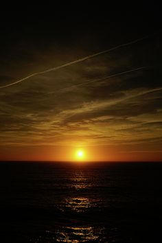 Sun setting over the Atlantic Ocean in Sagres, Portugal Photography by Joanna Machel Sunset Photography, Landscape Photography, Beach Sunset Wallpaper, Sunsets Hawaii, Sky View, Photo Wall Collage, Sunset Photos, Beautiful Sunset, Nature Pictures
