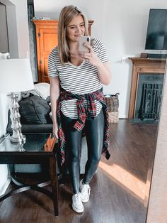 From athletic looks to dressier options, you'll find over twenty spanx faux leather leggings outfits for fall and winter! Legging Outfits, Athleisure Outfits, Sporty Outfits, Leggings Fashion, Trendy Outfits, Work Outfits, Fall Outfits, Fall Fashion Skirts, Fix Clothing
