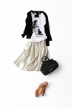 Kyoko Kikuchi's Closet | モノトーンに遊び心をプラス、菊池流エレガントスタイル. Such cute outfits!