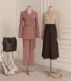 Aesthetic fall spring outfits ready to wear korean inspired 60s 50s business woman