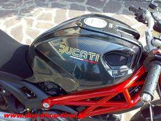 Carbon Tankabdeckungen seitlich Ducati Monster 696 / 796 / 1100 / S / Evo für nur 299,- statt 549,- EUR