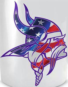 Viking Logo, Viking Symbols, Viking Art, Nfl Football Helmets, Football Cheerleaders, Sport Football, Minnesota Vikings Football, Minnesota Wild, Viking Wallpaper