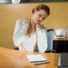 Having a desk job doesn't have to be painful. Try these ankylosing spondylitis stretches and other simple steps to ease ankylosing spondylitis at work.