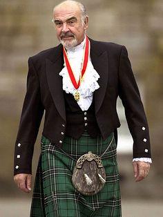 Sean Connery in a Kilt. I love men in kilt ! Mode Masculine, Beautiful Men, Beautiful People, Photo Star, Scottish Actors, Scottish Man, Scottish Gaelic, Scottish Plaid, Scottish Highlands