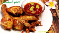 #Indonesia #Kuliner #AYAMGORENG SAMBAL #PETE Eat And Go, Chicken Wings, Foods, Meat, Cooking, Home, Food Food, Beef, Kochen