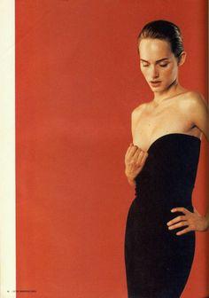 I-D dec 1996 Amber Valletta by Juergen Teller style: Camilla Nickerson Juergen Teller, Fashion Tips For Women, Fashion Advice, Moda Fashion, Fashion Models, Amber Valletta, Images Instagram, Fashion Gone Rouge, Portraits