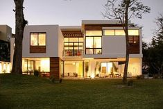 Fabulous Modern House Designs Green Grass Style White Exterior.  #modernhouse #home #sweethome