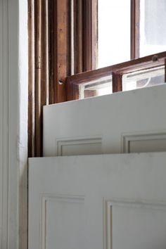 Early Georgian sliding sash window with integral sliding shutter, London UK Interesting way to close up/ have privacy Sash Windows, House Windows, Windows And Doors, Georgian Interiors, Georgian Homes, Georgian Townhouse, Interior Window Shutters, Interior Windows, Interior Design Degree