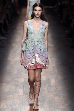 Valentino RTW Spring 2015 - Slideshow - Runway, Fashion Week, Fashion Shows, Reviews and Fashion Images - WWD.com