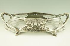 Art Nouveau pewter flower dish by Friedrich Adler OSIRIS ISIS Germany 1900. Osiris Isis, Jugendstil Design, Victorian Life, Organic Lines, Art Nouveau Architecture, Art Nouveau Design, Glass Design, Pewter, Fashion Art