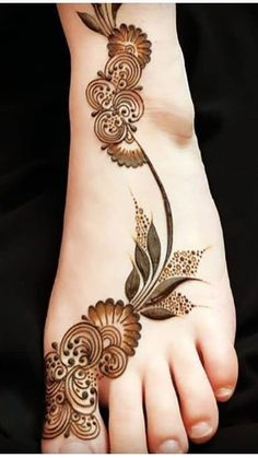 Henna Designs Arm, Modern Henna Designs, Latest Henna Designs, Floral Henna Designs, Legs Mehndi Design, Mehndi Designs For Girls, Dulhan Mehndi Designs, Wedding Mehndi Designs, Mehndi Designs For Fingers
