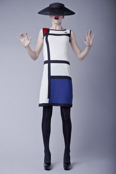 Mondrian dress by Michael Barnaart van Bergen, supported by Gemeentemuseum. Dutch Fashion Design Knitwear. Mondriaan jurk.