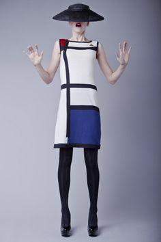 Mondrian dress by Michael Barnaart van Bergen, supported by Gemeentemuseum. Dutch Fashion Design Knitwear. Mondriaan jurk.