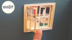DIY - how to make dollhouse chandelier that really works with no wiring and for less than one dollar - miniature modern pendant lamp tutorial Dollhouse Miniature Tutorials, Miniature Rooms, Miniature Kitchen, Miniature Houses, Miniature Furniture, Dollhouse Furniture, Dollhouse Miniatures, Dollhouse Windows, Dollhouse Door