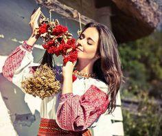 Український стиль - українська краса. Ukrainian style - Ukrainian beauty.