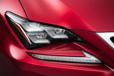 RC의 개성을 돋보이게 하는 LF-LC를 모티프로 한 3안(眼)식 LED 헤드 램프. | Lexus Facebook ▶…