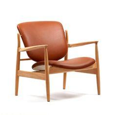 House of Finn Juhl France Chair by Finn Juhl - Danish Design Store Danish Furniture, Retro Furniture, Furniture Design, House Furniture, Nevada, Charles Ray Eames, Scandinavian Chairs, Danish Design Store, Lounge Chair Design