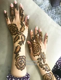 Latest Arabic Mehndi Design Mehndi henna designs are always searchable by Pakistani women and girls. Women, girls and also kids apply henna on their hands, feet and also on neck to look more gorgeous and traditional. Henna Hand Designs, Mehndi Designs Finger, Pretty Henna Designs, Latest Arabic Mehndi Designs, Floral Henna Designs, Mehndi Designs For Beginners, Mehndi Designs For Fingers, Henna Tattoo Designs, Dulhan Mehndi Designs