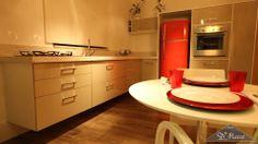 Para não ter que usar cor nas paredes ou móveis, invista em detalhes coloridos.